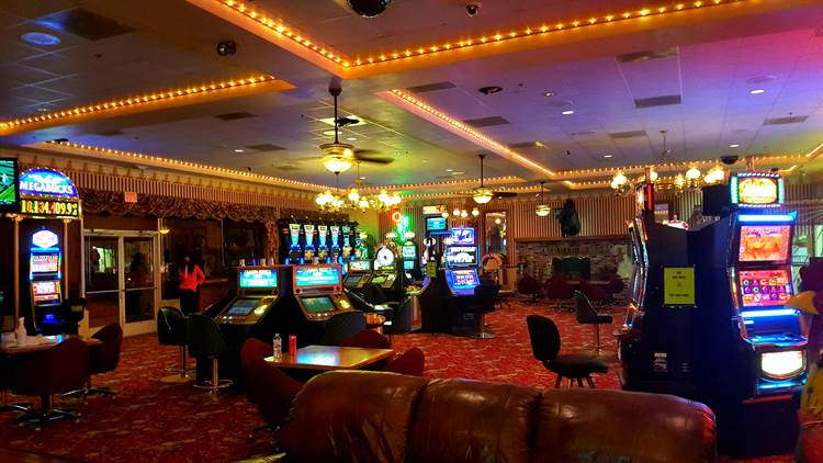 Longstreet Hotel & Casino Slot Machines