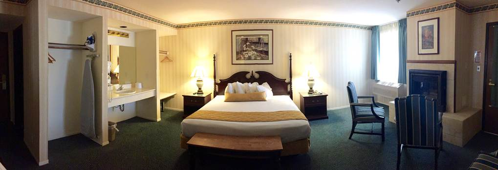 Longstreet Inn and Casino's Hotel Room near Death Valley